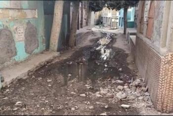 الزقازيق  مياه الصرف الصحي تغرق مقابر كفر الحصر