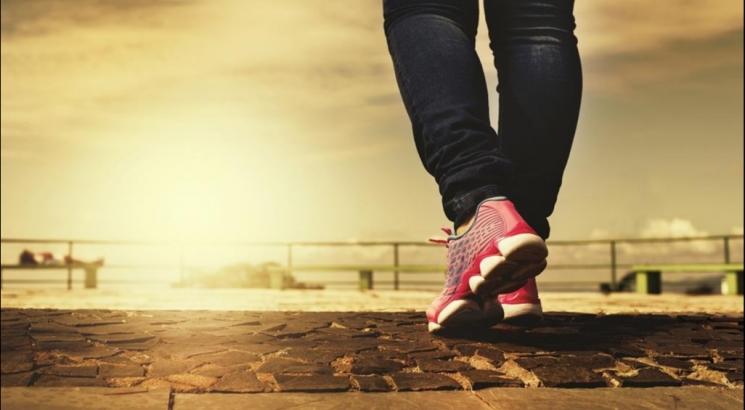 15 فائدة في المشي 15 دقيقة.. تعرف إليها