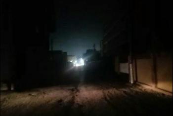 بالصور.. الظلام يخيم على قرى أبوكبير بسبب حملة إزالة أعمدة الإنارة