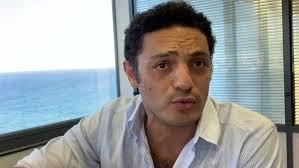 هارتس الصهيونية: فيديوهات محمد على قنبلة عنقودية قاتلة للسيسي