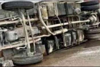 إصابة 15 عاملا إثر انقلاب سيارة في العلمين الجديدة