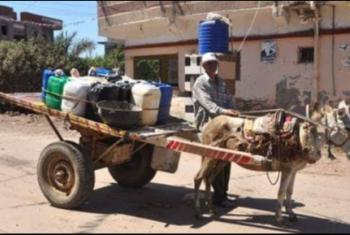 أهالي قرية أبوعساكر بديرب نجم يشكون انقطاع المياه
