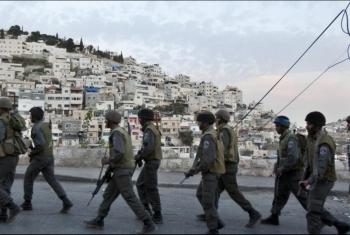 الاحتلال يحاصر حي البستان في القدس ويعتدي على أهالي حي سلوان