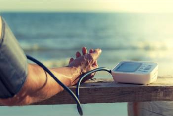 9 أطعمة تساعدك على التحكم في ضغط الدم خلال الصيف