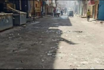شكوى من تهالك الشارع الرئيسي في مدينة القرين