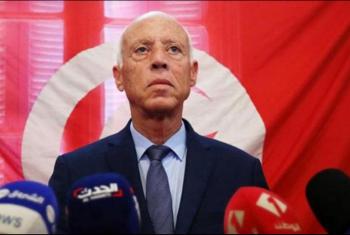 انقلاب في تونس.. قيس سعيد يقرر تجميد البرلمان وإعفاء رئيس الحكومة