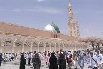 السعودية تسمح بفتح المتاجر خلال أوقات الصلاة