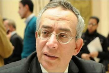 حرمان من الحقوق والعلاج.. الإهمال الطبي يهدد حياة د. حسن البرنس