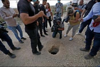حفروا نفقا.. 6 أسرى فلسطينيين ينتزعون حريتهم من سجن صهيوني