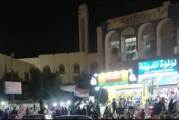 في ظل كورونا.. زحام بمنطقة صيدناوي بالعاشر من رمضان