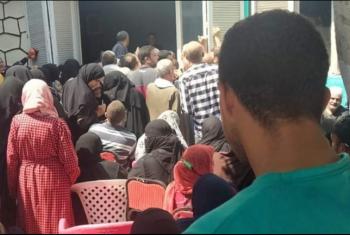 أصحاب معاشات تكافل وكرامة في أبوكبير يستغيثون من الزحام وسوء المعاملة